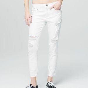 aeropostale Destroyed Girlfriend Jeans 18R White